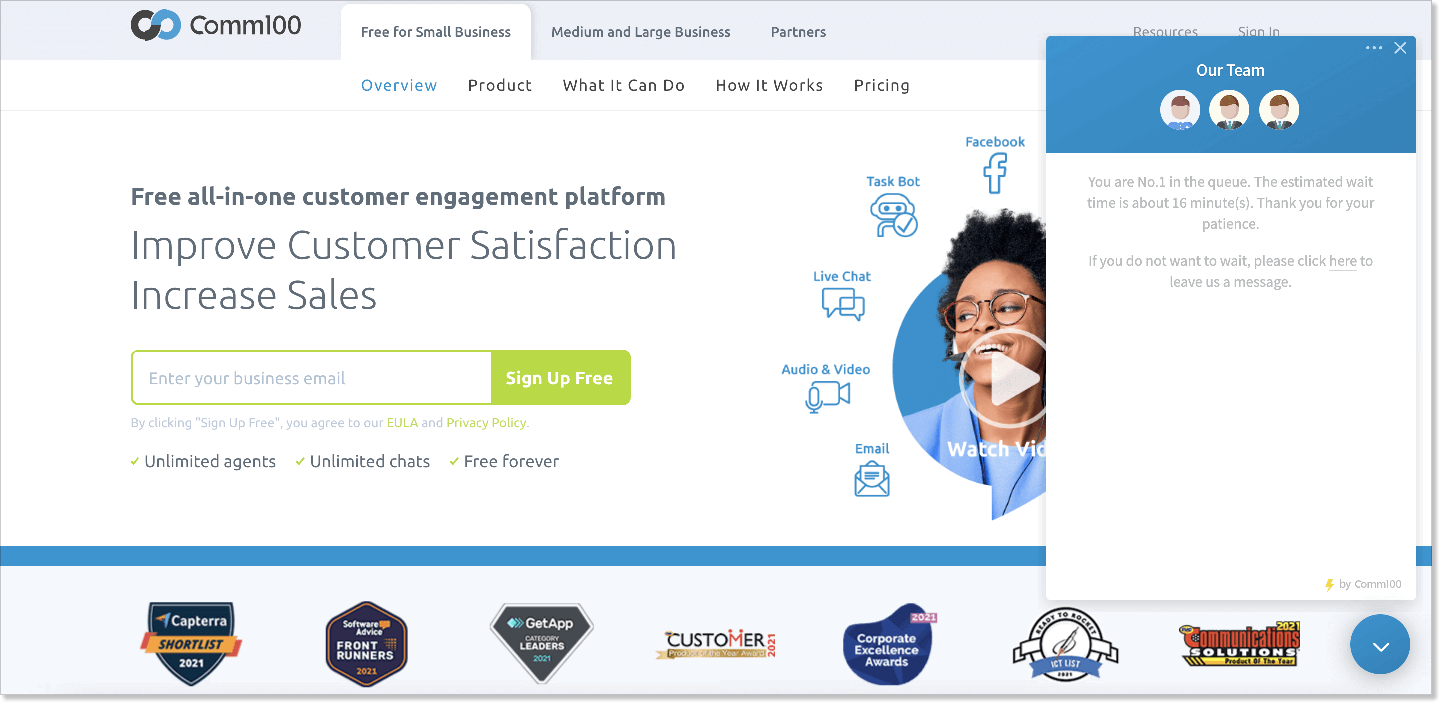 Comm100 homepage with a live chat widget